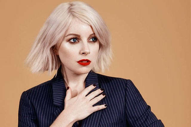 Addicted to Cocaine, Fags, Sausages? Visual Gluttony from Little Boots